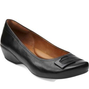 Clark's Artisan Concert Choir Leather Flats
